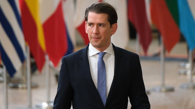 Avusturya'da İslamofobik seçim vaadi: Başörtüsü yasağı