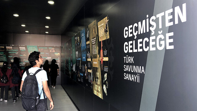 TEKNOFEST'te 'Geçmişten Geleceğe Türk Savunma Sanayii' sergisi ziyarete açıldı