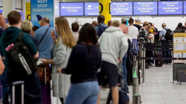 Binlerce turist panikte: Turizm devi iflas etti