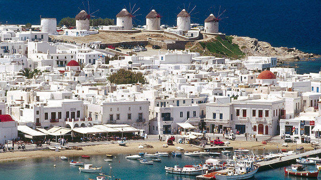 Thomas Cook iflas etti: Yunanistan'da 50 binden fazla turist mahsur kaldı