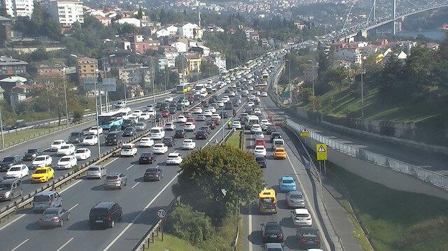 İstanbul'da depremin ardından trafik durma noktasına geldi