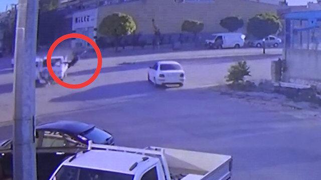 Kamyonetle çarpışan motosikletli 20 metre uçtu