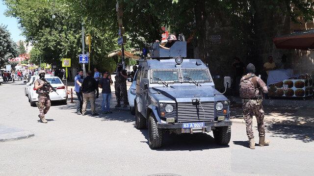 Diyarbakır'da eylem hazırlığında 2 terörist yakalandı, patlayıcı maddeler ele geçirildi