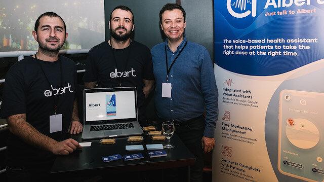 Genç mühendislerden Türkiye'de bir ilk: Sesli mobil sağlık asistanı 'Albert Health'ını geliştirdiler