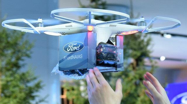 Ford'dan otomobiller için çılgın proje: Lastikleri drone değiştirecek