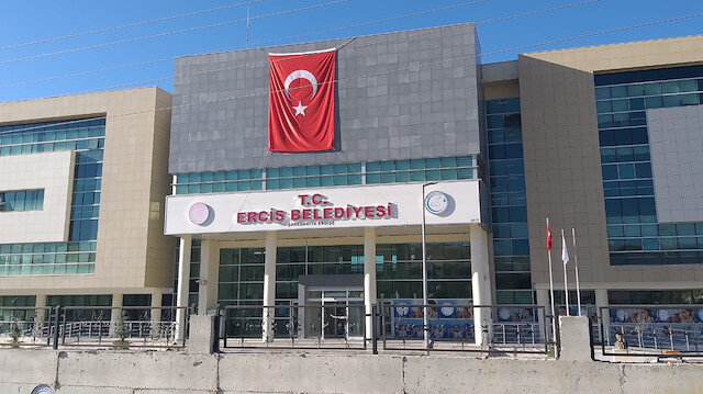 Terörden gözaltına alınan 4 HDP'li belediyeye başkanının yerine görevlendirme