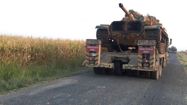 Türk-Rus ortak devriyesi öncesi sınır hattına tank sevkiyatı yapıldı