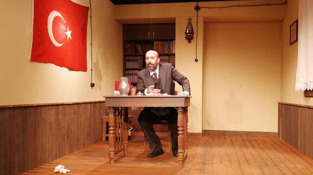 Mehmet Akif Ersoy'un hayatı tiyatro sahnesine taşındı