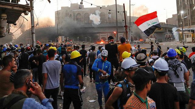 Irak'ta şiddetli protestolar: Başbakanlık ofisine yürüdüler