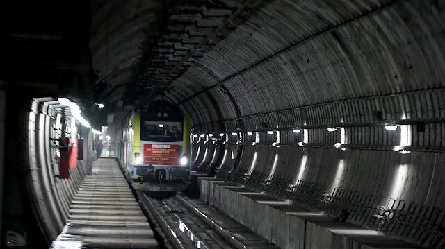 Çinden Avrupaya giden ilk yük treni Marmaraydan geçti