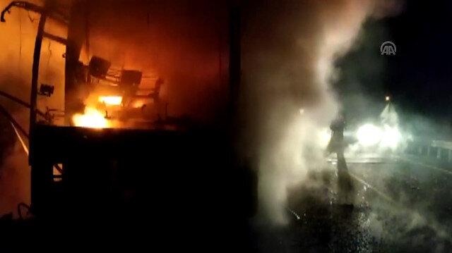Antalyada seyir halindeki otobüs alev alev yandı