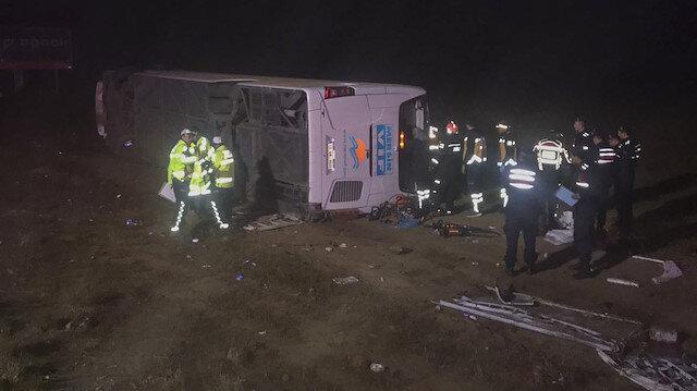 Aksaray'da yolcu otobüsü devrildi: 1 ölü 20 yaralı
