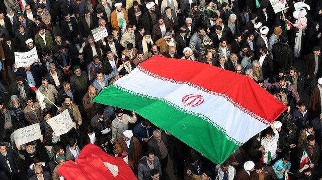 İran'da kaos sürüyor: Hamaney sessizliğini bozdu