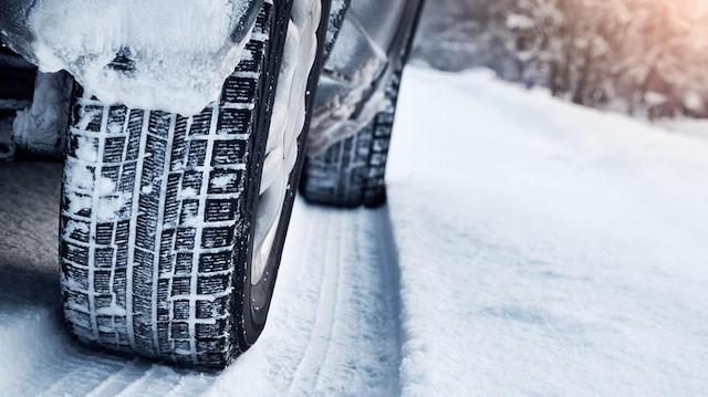 Sürücülere kış lastiği uyarısı: Son güne bırakmayın, kuyrukta kalmayın