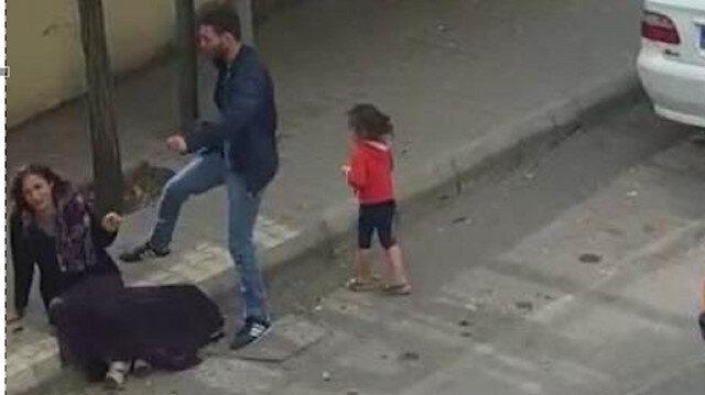 Sokak ortasında kadına şiddet kamerada: Küçük kız ağlayarak izledi