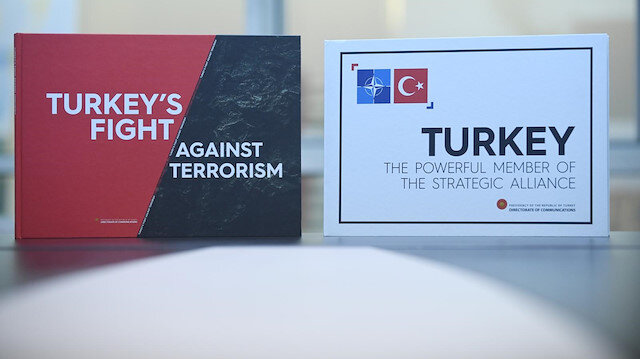 Erdoğan'dan Merkel, Johnson ve Macron'a 'Güçlü Türkiye' kitabı