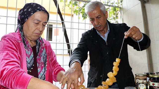 Emekli çift, evde 30 çeşit reçel üretip satıyor