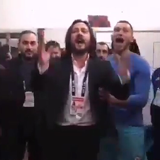 Galibiyet sonrası Başkanın prim sözü futbolcuları çılgına çevirdi