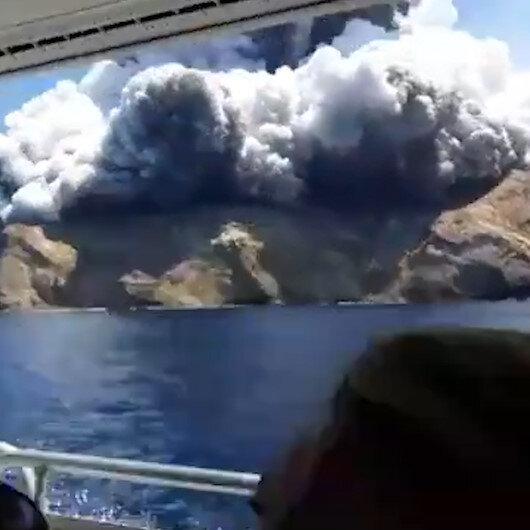 Yeni Zelandada Whakaari Yanardağı patladı