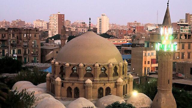 """""""Kubbesi gökyüzüne bina edilen cami"""""""