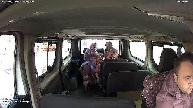 Dolmuş şoförü boğazına şeker kaçan çocuğu hastaneye yetiştirdi