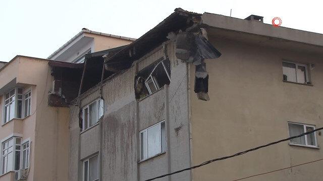 Altı katlı binanın çatısı çöktü