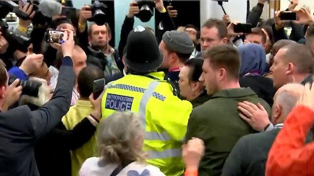 İngiltere seçim sonucu değerlendirilirken İşçi Partililer arasında kavga çıktı