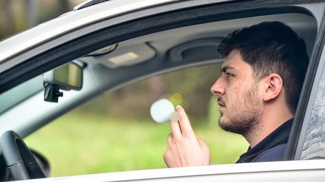 Sigara içen ve telefonla konuşan sürücüyü yapay zeka tespit edecek