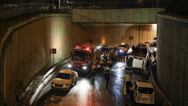 Alkollü sürücünün kontrolünü kaybettiği otomobil 10 metrelik köprüden uçtu: Yaralı kurtuldu