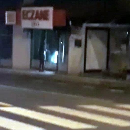 Eczanelerin camlarını kıran saldırgan kamerada
