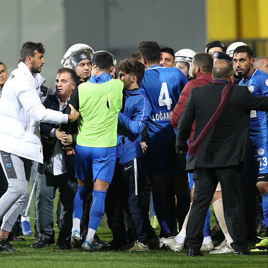 Tuzlaspor - Galatasaray maçı sonrasında futbolcular birbirine girdi