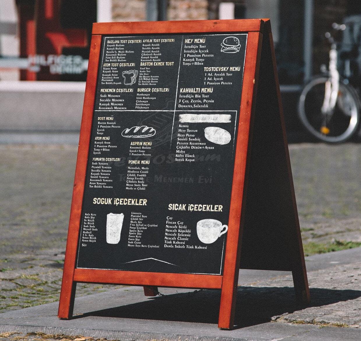 Gıdalardaki bileşenler, açıkça okunabilecek şekilde menüler, yazı tahtaları, broşür benzeri araçlar vasıtasıyla son tüketiciye sunulacak.