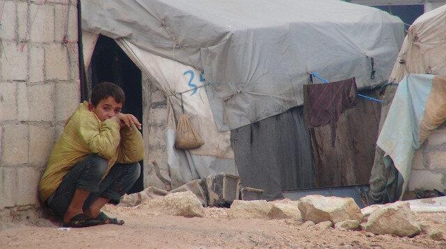 İdlib'ten kaçan siviller çadırlarda hayatta kalmaya çalışıyor