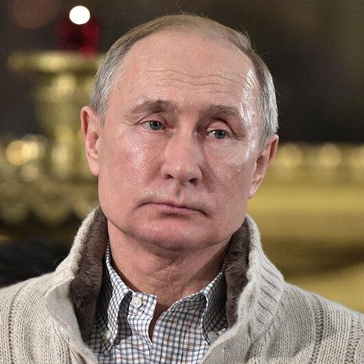 Putinin dalgın halleri sosyal medyada gündem oldu