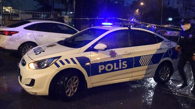 Kadıköy'de suçüstü yakalanan hırsızlar polise silahla saldırdı
