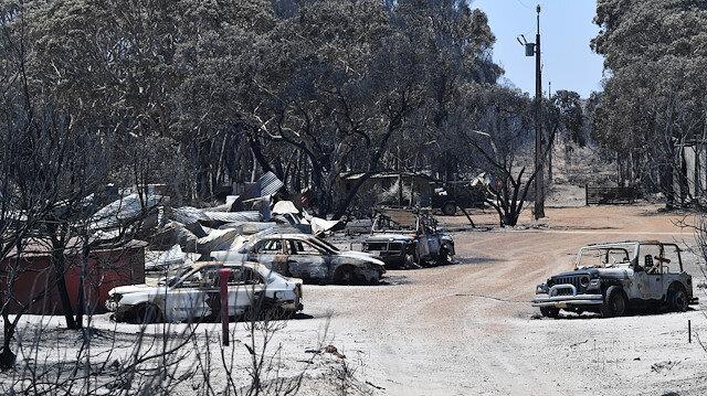 Avustralyada yangından kurtulanlar o anları böyle anlattı: 2 saatte her yeri sardı