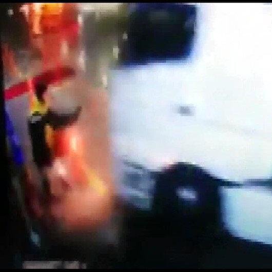 TIRın akaryakıt istasyonu çalışanına çarpma anı güvenlik kamerasında