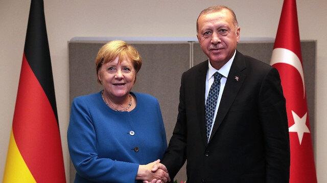 Erdoğan'dan Libya diplomasisi: Merkel ile telefonda görüştü