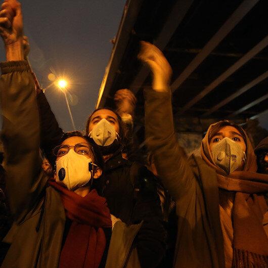 İranda büyük öfke: Hameneye ölüm sloganları atıldı