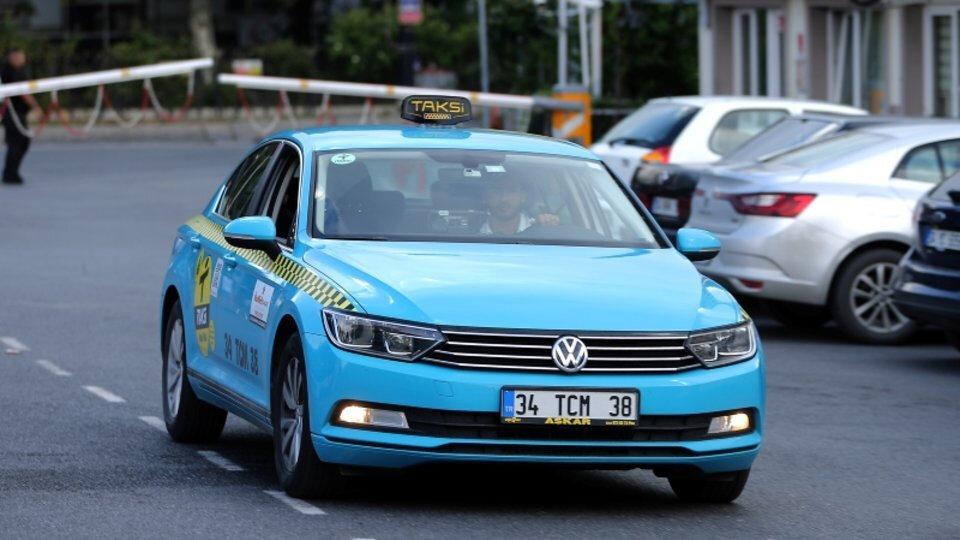 İstanbul'da 1 Haziran 2018'de yollara çıkan 350'ye yakın turkuaz taksi bulunuyor.