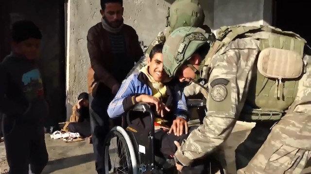 Barış Pınarı bölgesinde Mehmetçiğin yardımları yüzleri güldürdü