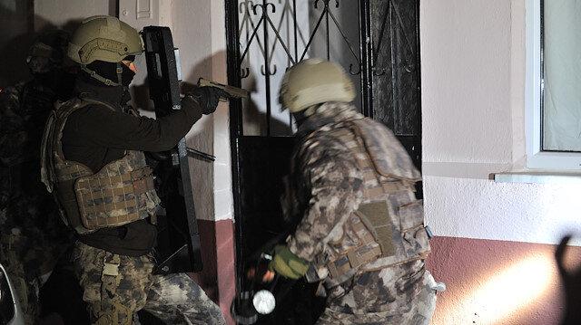 Bursa'da şafak vakti 700 polisle çok sayıda adrese eş zamanlı uyuşturucu operasyonu