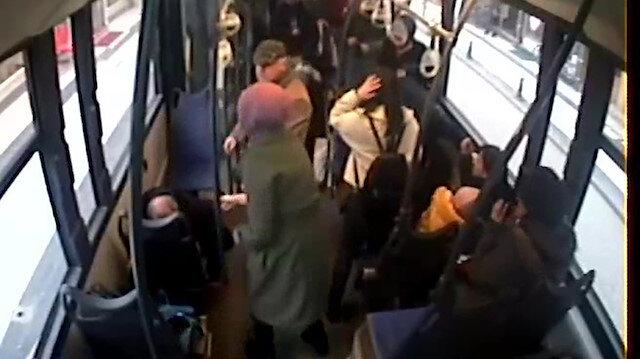 Kontrolsüz dönen otomobile halk otobüsü çarptı