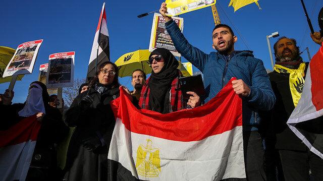Darbeci Sisi'ye İngiltere'nin göbeğinde protesto şoku