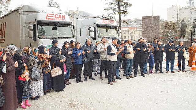 İnsani yardım TIR'ları İdlib yolunda