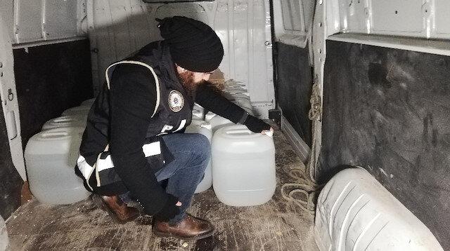 Esenyurt'ta polis ekiplerinden baskın: 7 ton metin alkol ele geçirildi