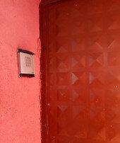Kapısı şifreli evde yakalandı