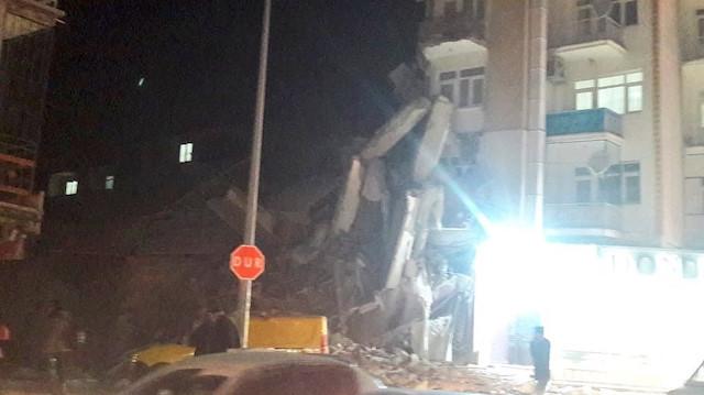 Elazığ'ın Sivrice ilçesinde 6.8 şiddetinde deprem: 4 kişi hayatını kaybetti