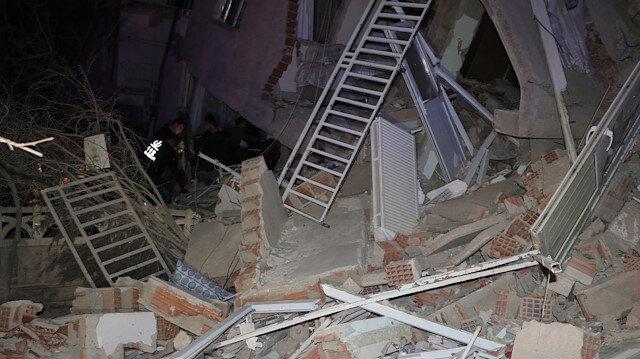 Elazığ'da şiddetli deprem: Birçok ilden hissedildi