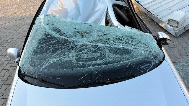 Kahramanmaraş'ta fırtına çatıları uçurdu: Hayvanlar telef oldu araç kullanılamaz hale geldi